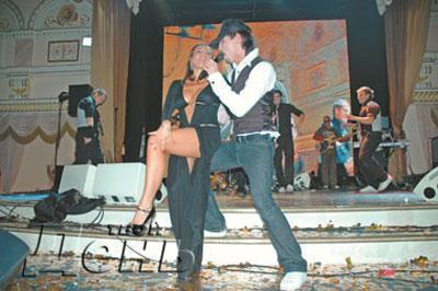Билан устроил sex-танцы с дочерью продюссера.На свадьбе сына Игоря